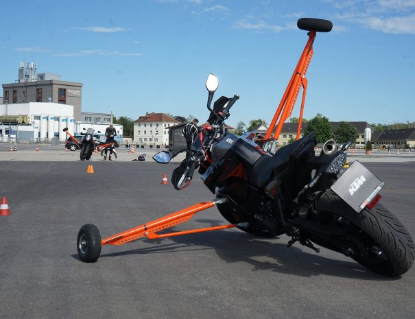 riders-academy-motorrad-training-fahrtechnik-warm-up-fahrlehrer-166