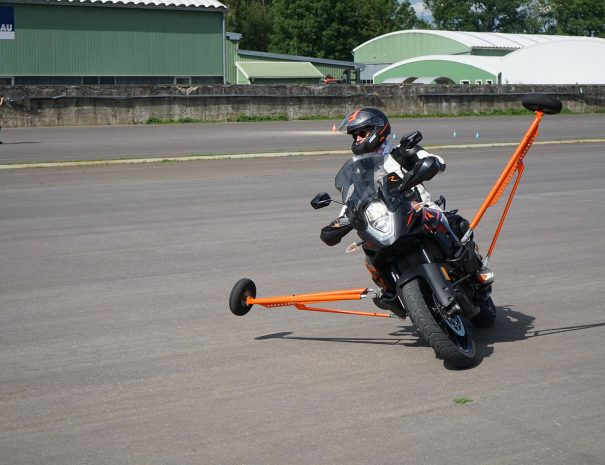 riders-academy-motorrad-training-fahrtechnik-warm-up-fahrlehrer-174