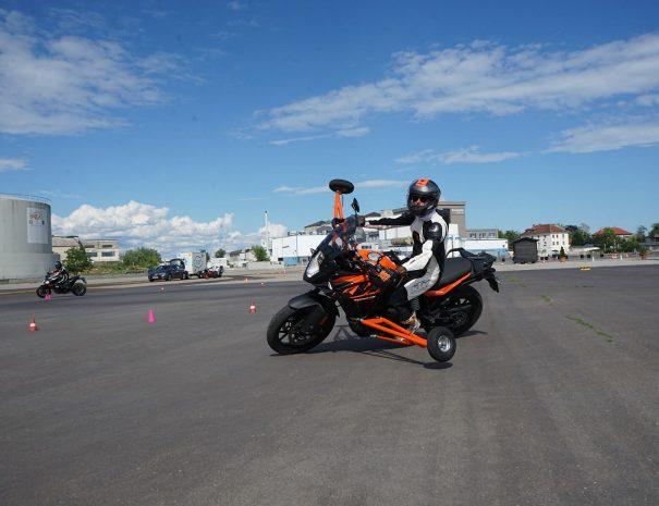 riders-academy-motorrad-training-fahrtechnik-warm-up-fahrlehrer-207