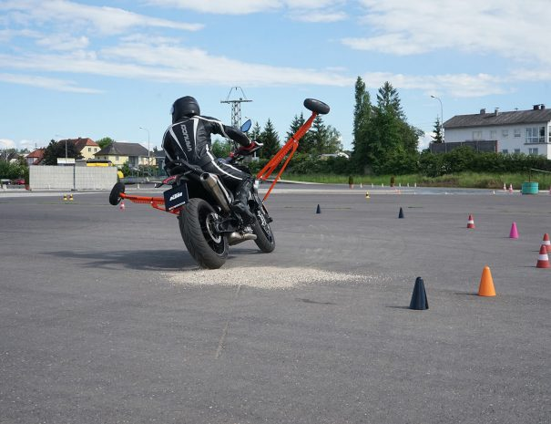 riders-academy-motorrad-training-fahrtechnik-warm-up-fahrlehrer-215