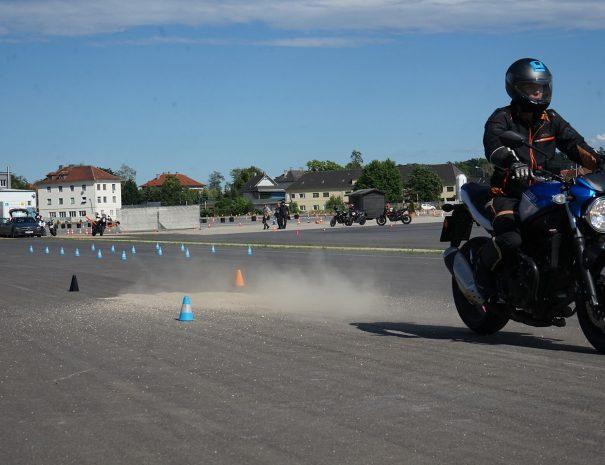 riders-academy-motorrad-training-fahrtechnik-warm-up-fahrlehrer-225