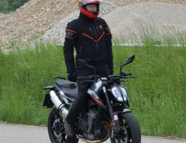 riders-academy-motorrad-training-fahrtechnik-warm-up-fahrlehrer-231